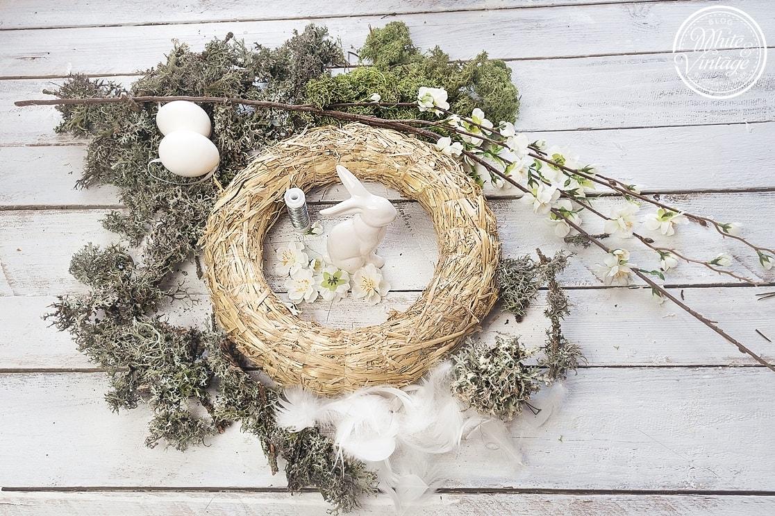 Osterdeko selber machen - Osterkranz aus Naturmaterialien und Kunstblumen binden