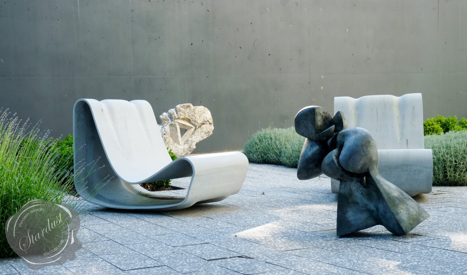 Modern Concrete Outdoor Chaise Lounge Loop Chairs