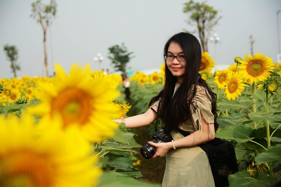 Cùng ngắm cánh đồng hoa hướng dương ở Sài Gòn - Địa điểm chụp hình đẹp nhất Sài Gòn Tp.HCM