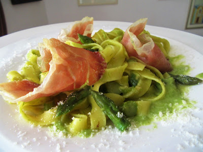 Tagliatelle sa šparogama / Noodles with asparagus