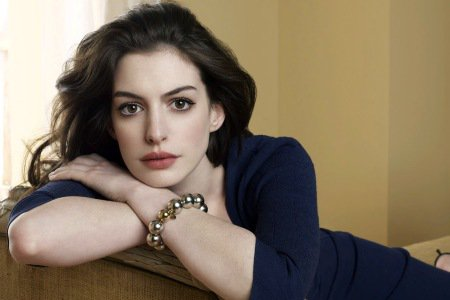Anne Hathaway-sexy-pics