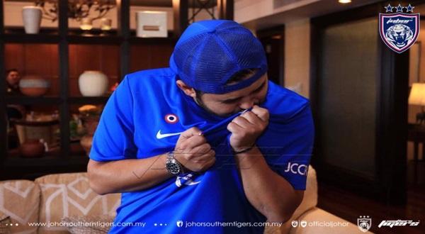 5 Foto Terkini YAM Tunku Khalsom Anak DYAM Tunku Mahkota Johor & YM Che Puan Khaleeda Yang Sangat Comel