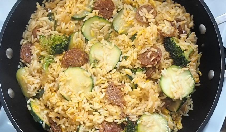 Poêlée à l'espagnole, recette de poêlée, idées poêlées, poêlée faciles, plats espagnols, plats riz, plats chorizo, recette économique