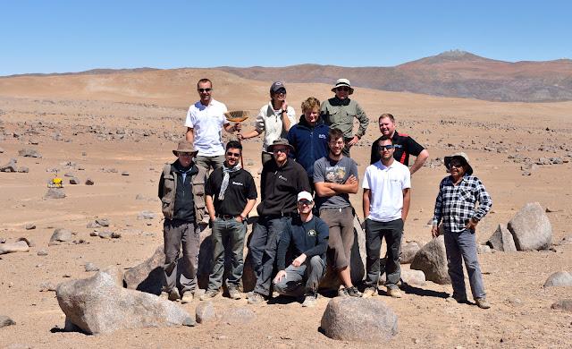 Alguns membros da equipe da ESA no deserto de Atacama no Chile