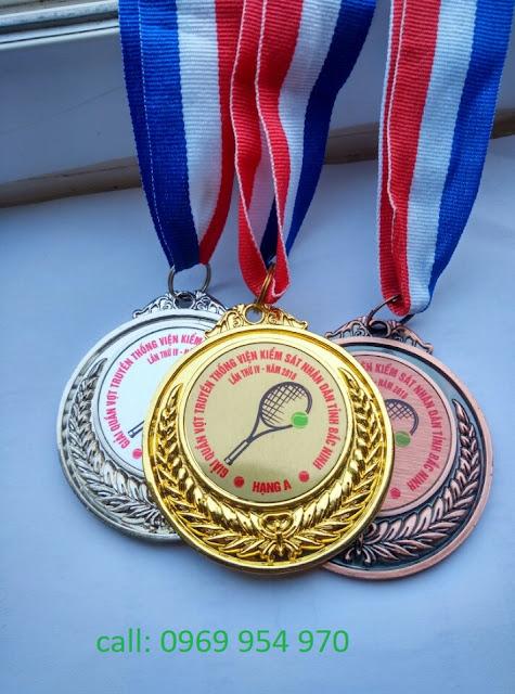 Chuyên sản xuất các loại Huân huy chương bằng đồng, công nghệ dập nổi, ăn mòn