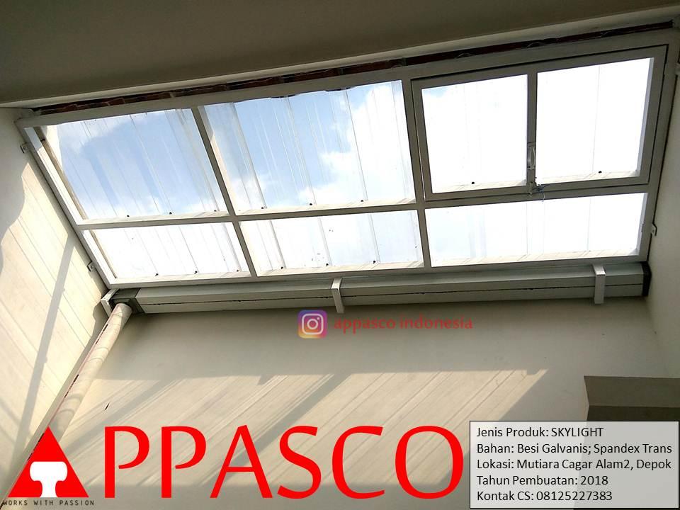 Skylight yang Keren dan Transparan Spandek Bening untuk Belakang Rumah pada Mutiara Cagar Alam 2 Depok