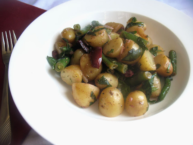 Herbed Potato and Green Bean Salad with Olives