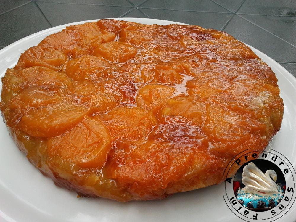 Tarte aux abricots façon tatin au caramel au beurre salé