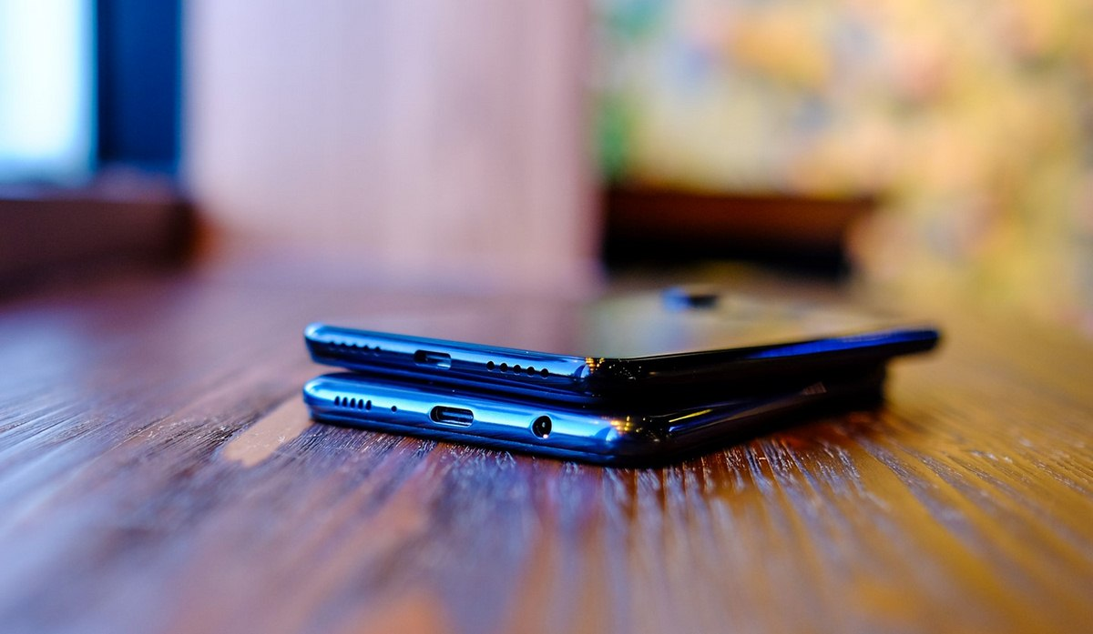 Mua điện thoại nào dưới 5 triệu: Samsung Galaxy M20 hay Redmi Note 7?
