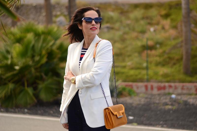 white-blazer-outfit-street-style