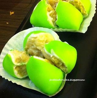 Menikmati Snatapan Kuliner Nusantara Pancake Durian