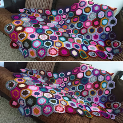 hexie love actually CAL crochet pink stitches green letter day hexagons blanket