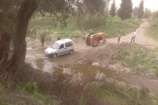 عائلات محاصرة بإرتفاع منسوب وادي علالة بسيدي عكاشة