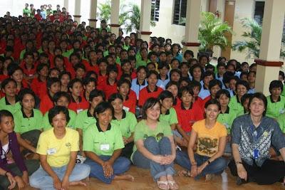 Kunjungan Lola Amaria Ke PT Prima Duta Sejati