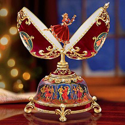 Foto de um Ovo de Fabergé - Bailarina
