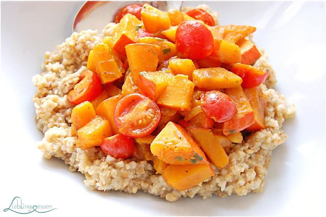Kürbis Tomaten Curry mit Hafergrütze