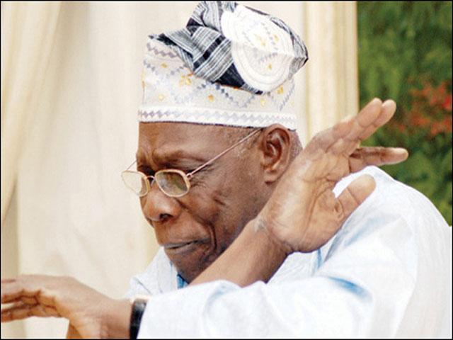 2019: Obasanjo under fire for anti-Buhari campaign