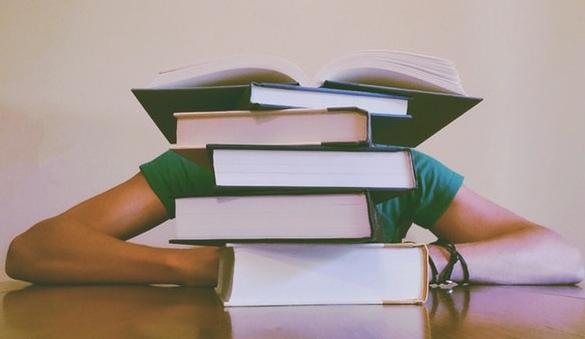 Penyebab dan Alasan Malas Membaca atau Tidak Suka Membaca