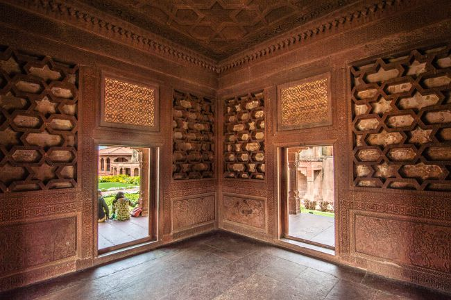 Carvings inside Ruqayya Begum's Mahal