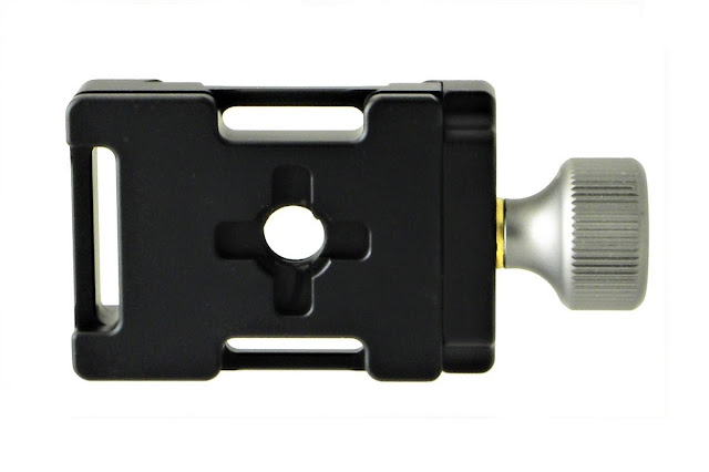 Desmond DAC-383 QR clamp bottom surface view