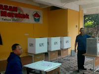 Nyoblos di Cipinang Melayu, Ini yang Dipilih Idris Lutfi ?
