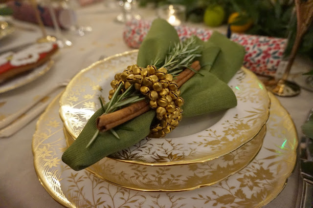Green Napkin table setting