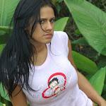 Andrea Rincon, Selena Spice Galeria 12 : En La Finca Foto 38