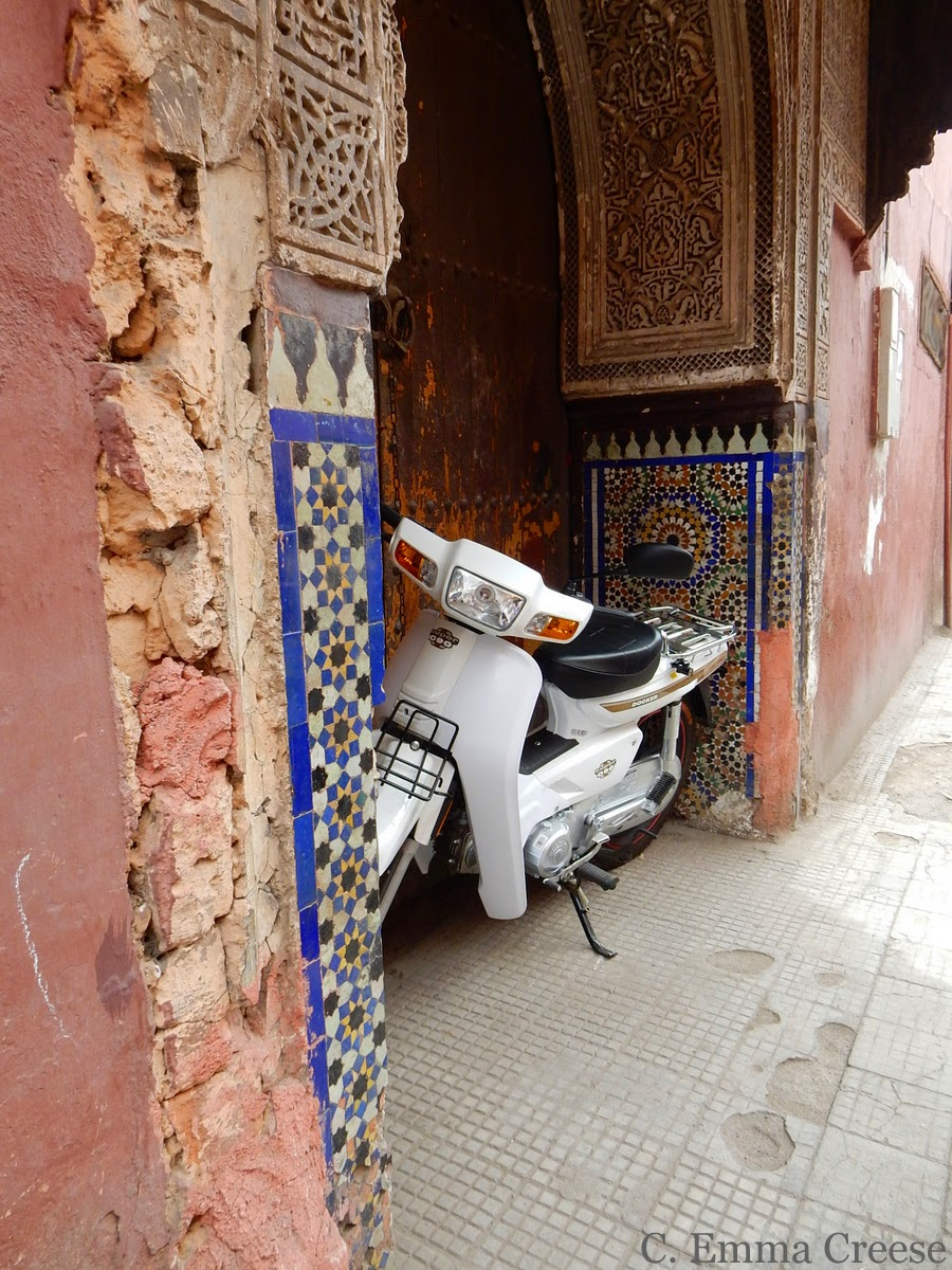 barcelona sofa uk ethan allen furniture beds friday figments and photos: marrakech - adventures of a ...