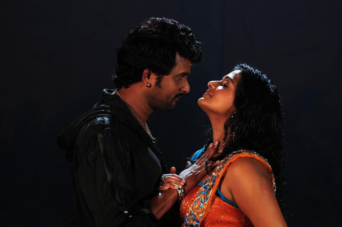 hot and wet sexy Priyamani love making stills