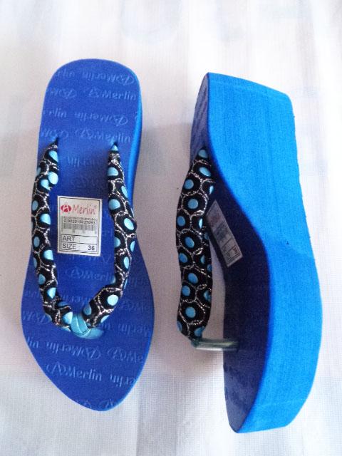 Sandal Merlin ASLI Spon Tebal-kain biru samping