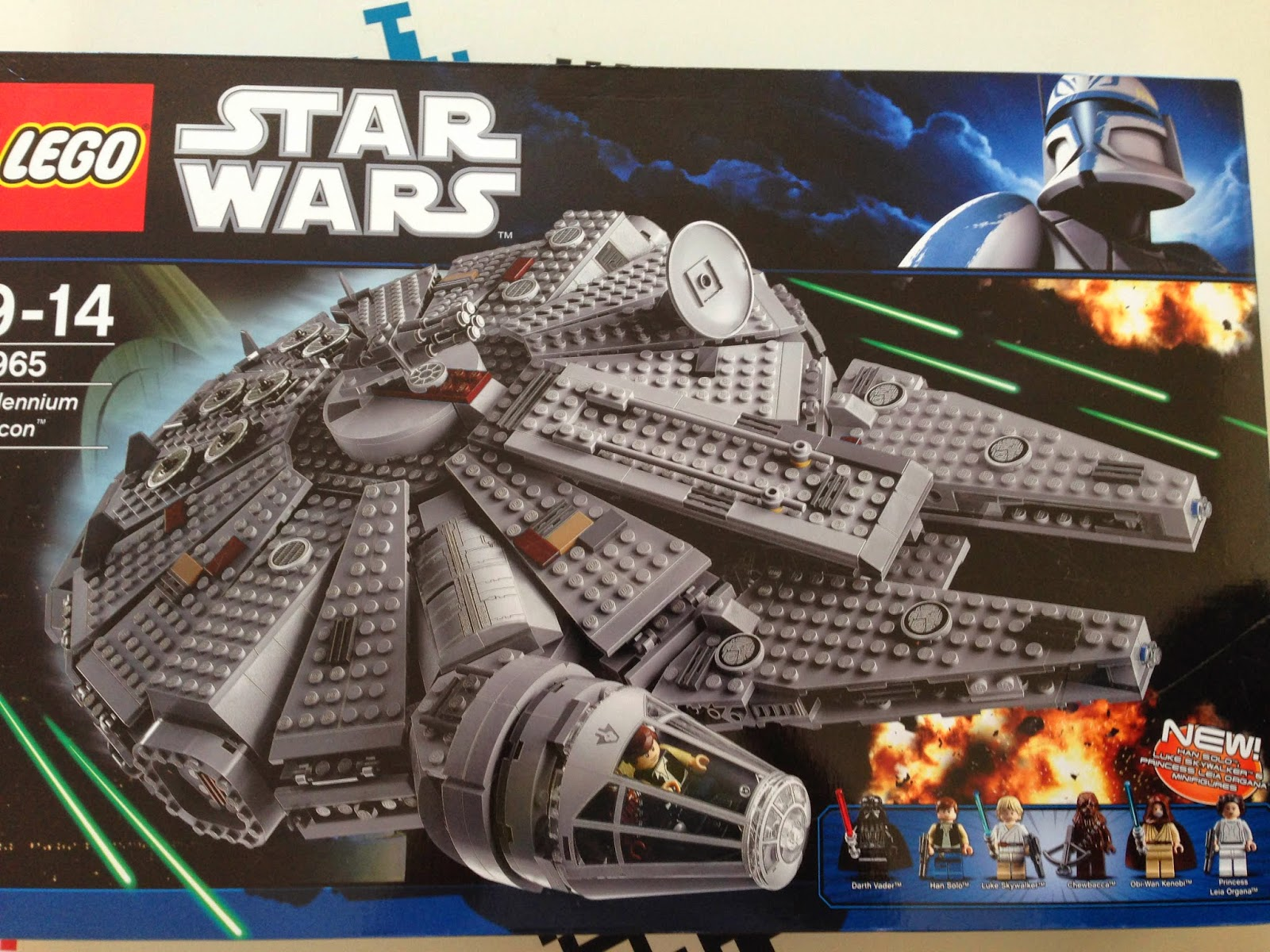 LEGO 75105 Star Wars Jeu de Construction Millennium Falcon