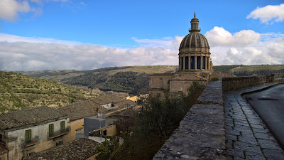 iew from Via Solarino with view of cupola of Duomo San Giorgio in Ragusa Ibla.