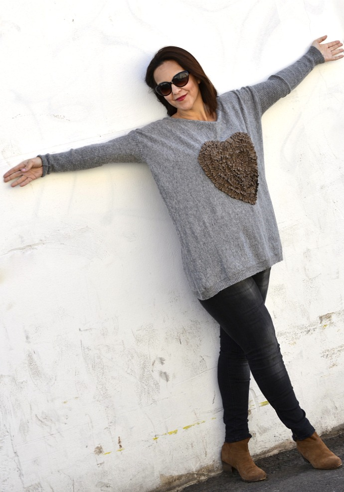 Heart_Jumper_SammyDress_03