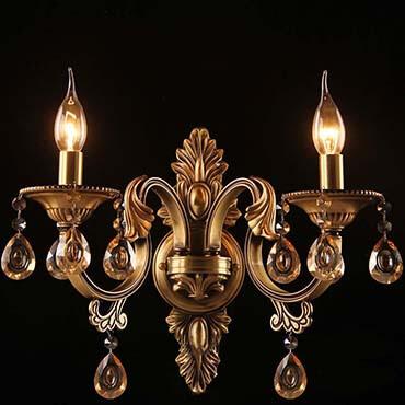 Tổng hợp những mẫu đèn tường đồng cổ điển sang trọng cho phòng khách