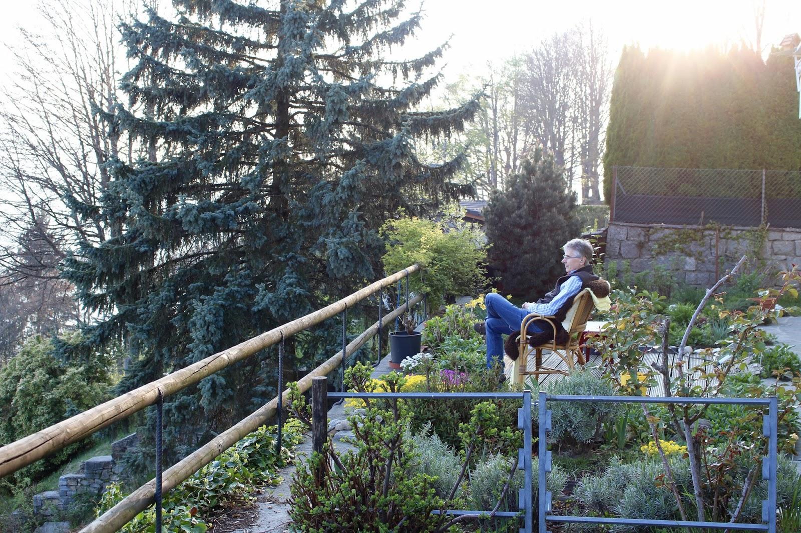 Wolfgang bei meiner Mutter auf der Terrasse in Brè, Monte Brè 2017