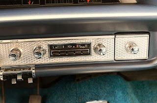1964 Chevrolet Impala SS Interior 02