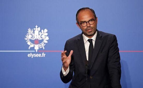 Francia presenta reforma laboral que beneficia a empresarios