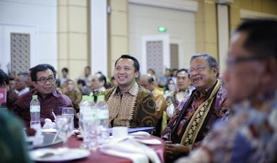 Gubernur Ridho Berharap ISEI Beri Solusi Atas Permasalahan Ekonomi Indonesia