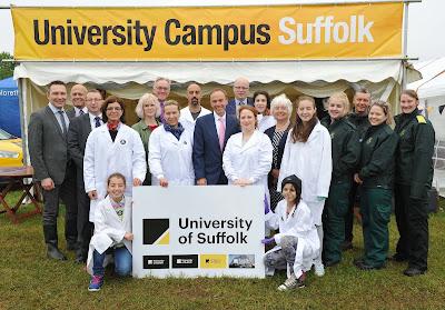 منح للبكالوريوس والدراسات العليا في جامعة suffolk في بريطانيا لجميع التخصصات