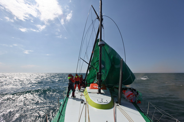 4ab7aaa1b0a2 ReadyAboutYachting  Frostad Not Happy With Groupama s Dismast ...