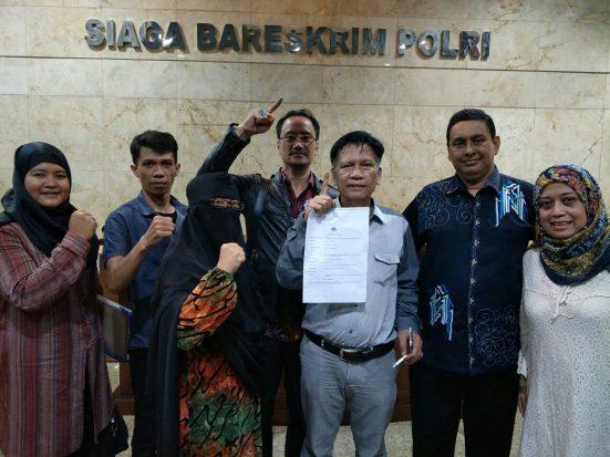 Jokowi: Kalau Punya Bukti Kuat, Laporkan; Aktivis: Kami Sudah Lapor, Dicueki