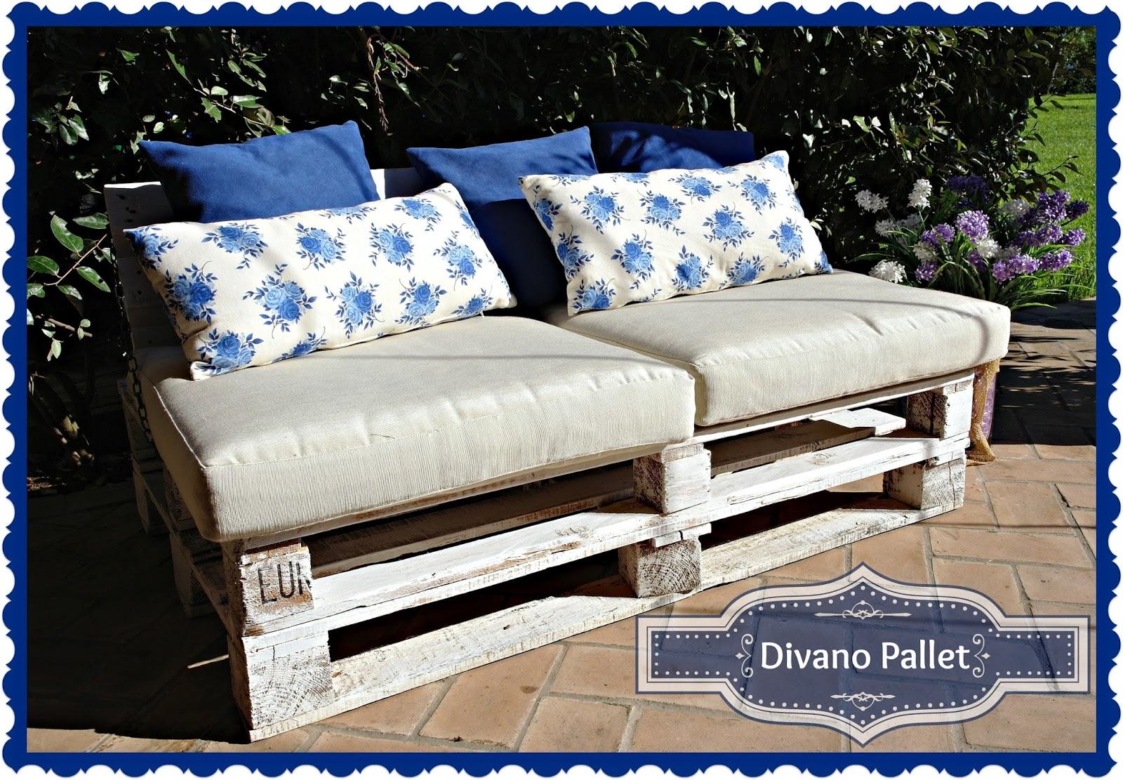 Pensieri romantici pallet couch divano pallet - Divano pallet schienale ...