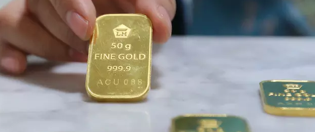 Harga Emas Antam Dijual Rp 677 Ribu per Gram