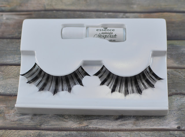 Essence midnight masquerade TE false lashes