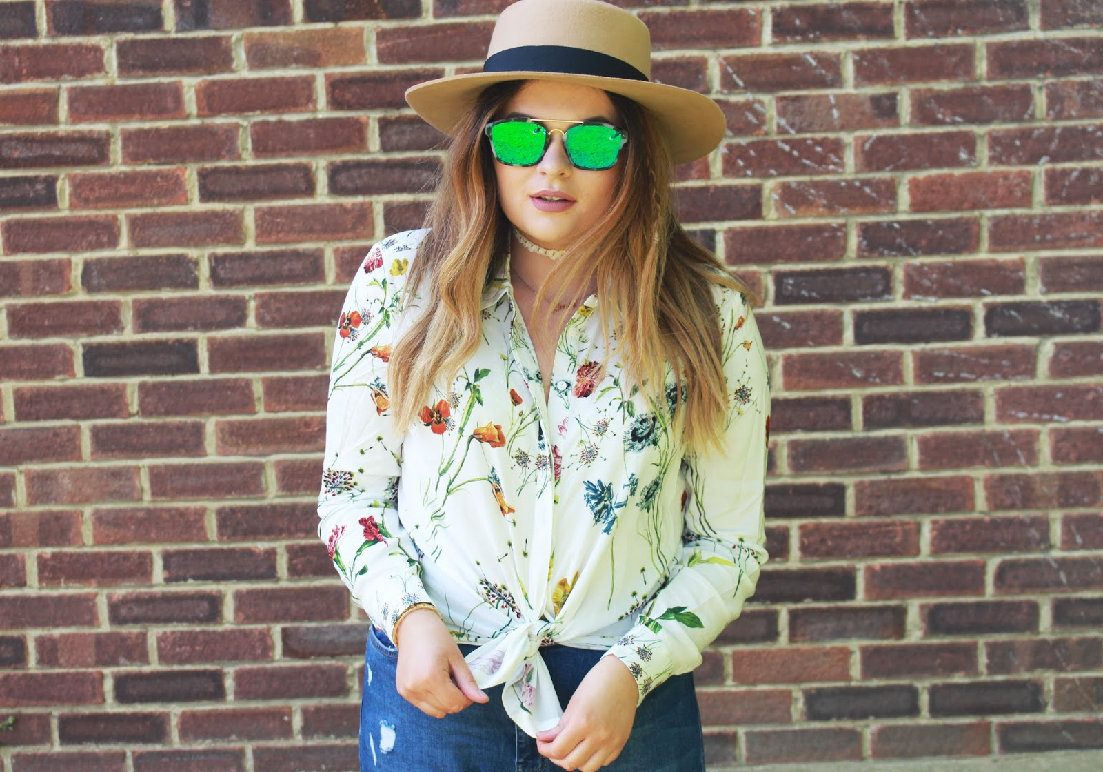 summer body confidence, the confident way to step into summer, summer outfit ideas, spring outfit ideas, summer ootd 2016, warehouse floral shirt, misguided ripped jeans, cheap reflective sunglasses, chocker style 2016, cool ways to wear birkenstocks