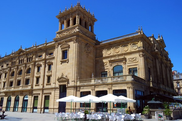 espagne pays basque san sebastian centre-ville théâtre victoria eugenia