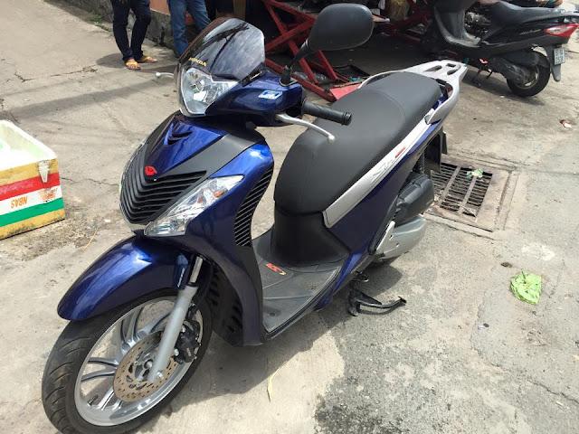 Sơn tân trang xe Honda Sh màu xanh đen zin