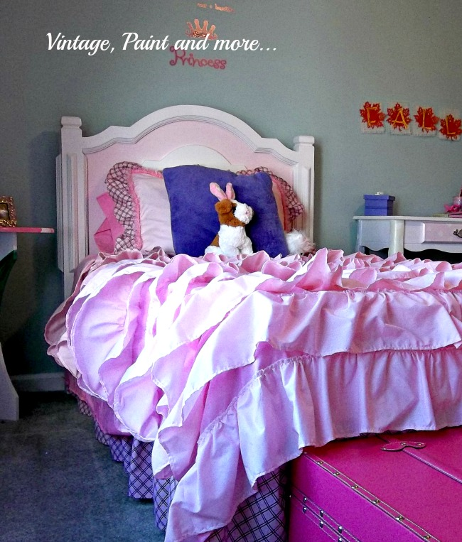 Vintage, Paint and more... custom built bed for little girls room