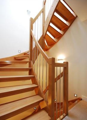 contoh tangga kayu minimalis