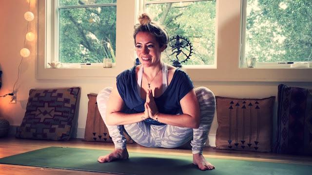Định hướng cho bạn bài tập cải thiện tâm trạng qua Yoga